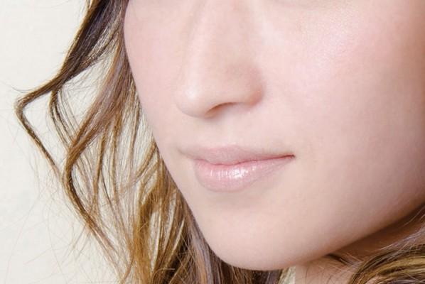 鼻の毛穴の黒ずみを治すには?イヤな角栓の改善方法