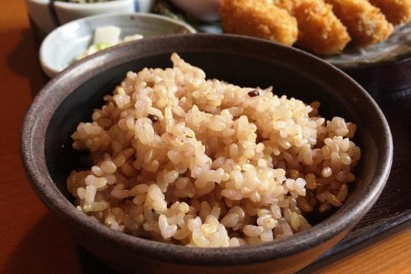玄米ダイエットは効果あるのか?種子類の意外な危険性