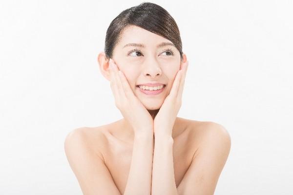 肌の透明感をアップさせる基礎的な美白方法