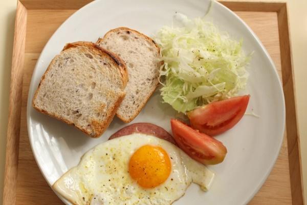 ダイエットのために朝ごはん抜きにするのは効果アリ?