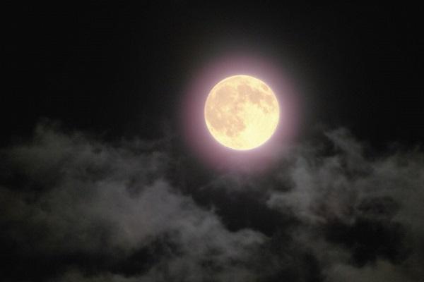 十五夜は満月とは限らない!意外と知らない月と地球の関係